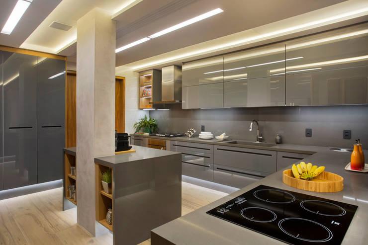 Ipanema: Cozinhas  por Patrícia Netto Arquitetura & Design