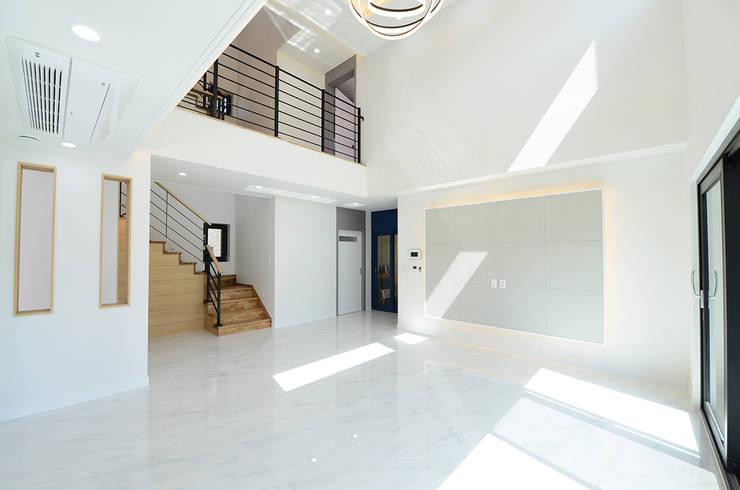 Living room by 코원하우스