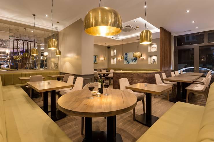 Restoran oleh IS AND REN STUDIOS LTD , Modern