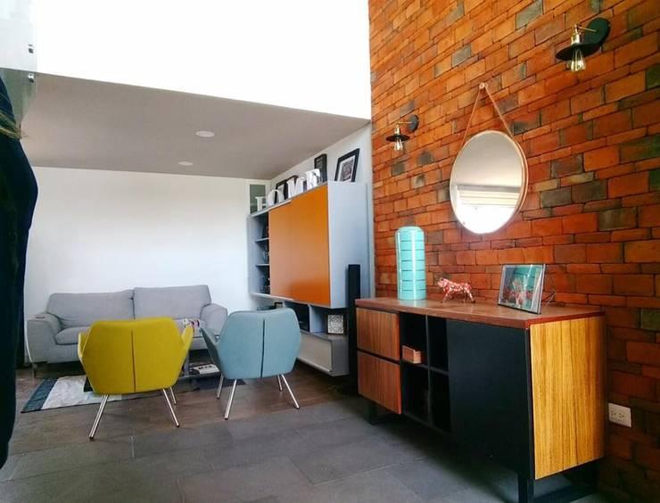 Salas / recibidores de estilo  por Estudio Chipotle