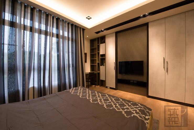 柯公館:  臥室 by 沐築空間設計