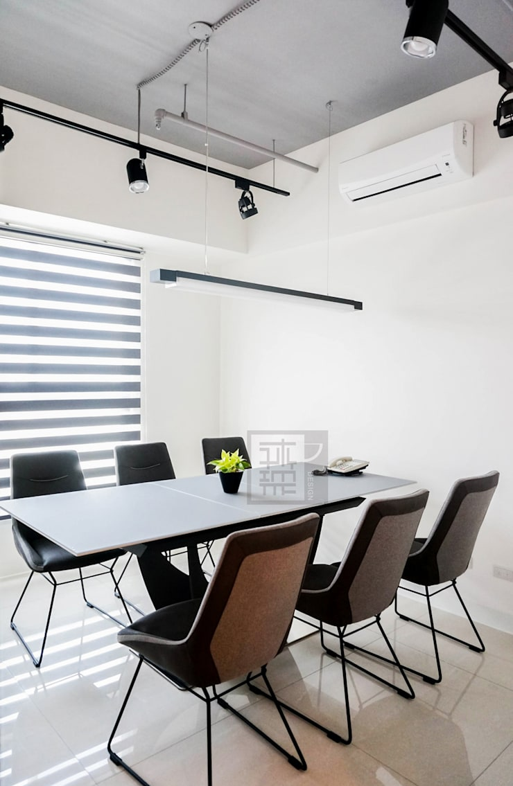 大樓商辦設計:  辦公空間與店舖 by 沐築空間設計