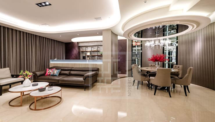 客廳.餐廳.書房三個不同的空間各自獨立卻又同時存在:  客廳 by 沐築空間設計