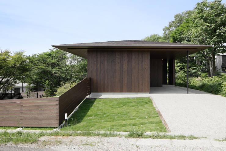 Casas de estilo  de atelier137 ARCHITECTURAL DESIGN OFFICE, Asiático Madera Acabado en madera