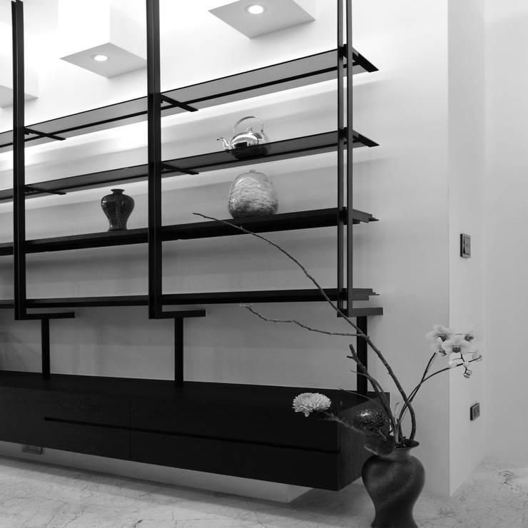 室內設計 東方帝國 SC House:  牆面 by 黃耀德建築師事務所  Adermark Design Studio