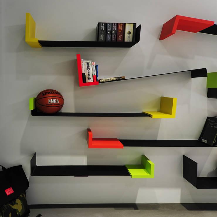 室內設計 市政廳 H House:  牆面 by 黃耀德建築師事務所  Adermark Design Studio