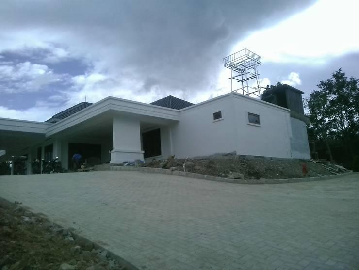 Entrance Bagas Godang:  Tangga by Code ArchitecTeam Studio