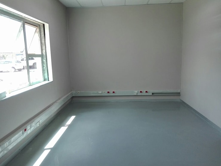 Epoxy Floor:  Offices & stores by Humac Flooring Solutions