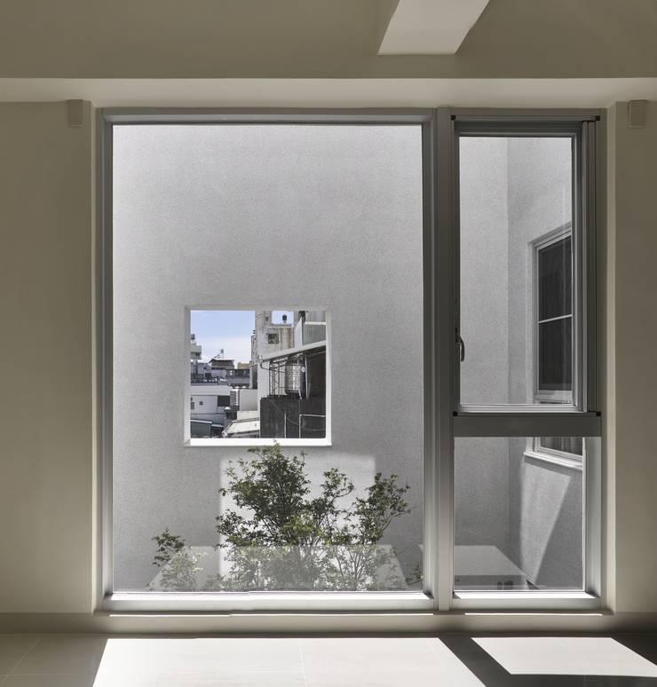 劉宅照片:  窗戶 by 良悅建築