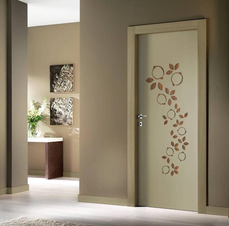 Puertas interiores de estilo  por Studio Maiden