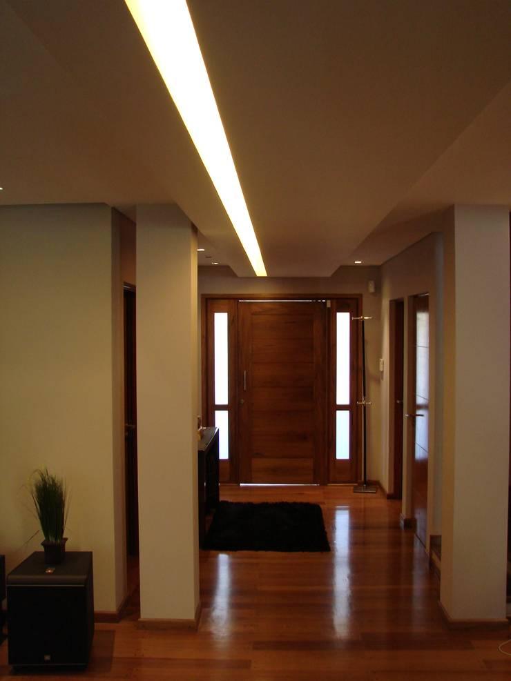 02: Pasillos y recibidores de estilo  por Módulo 3 arquitectura