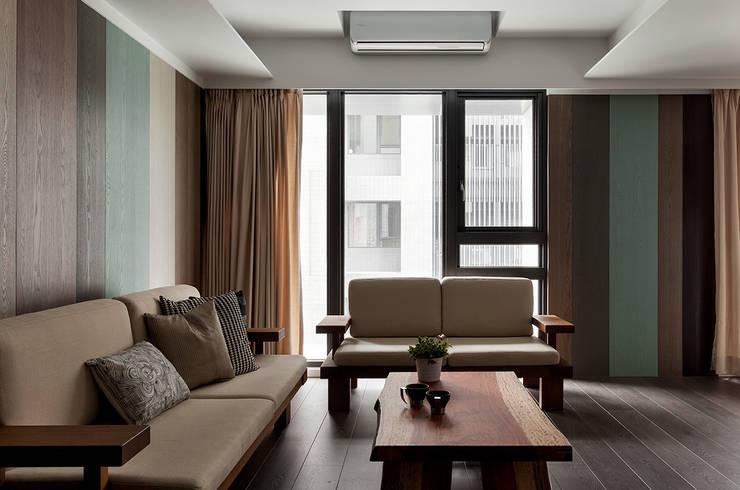 島谷:  客廳 by 禾光室內裝修設計 ─ Her Guang Design