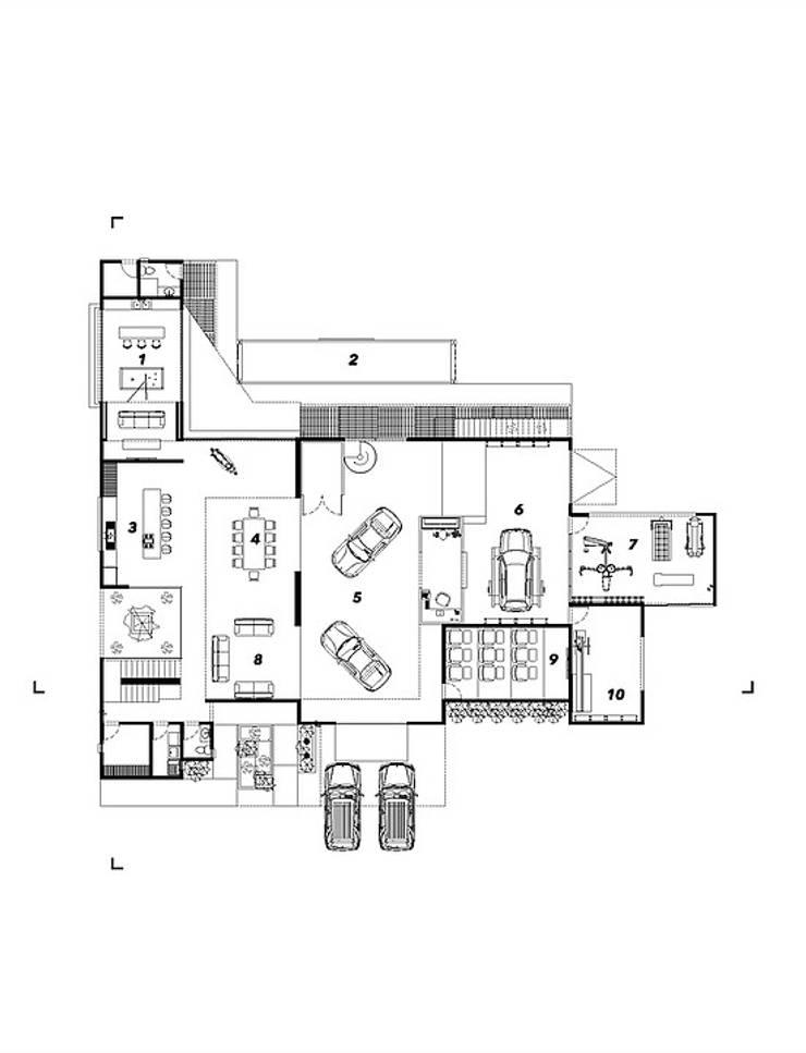 Planta baja:  de estilo  por Grupo PAAR Arquitectos