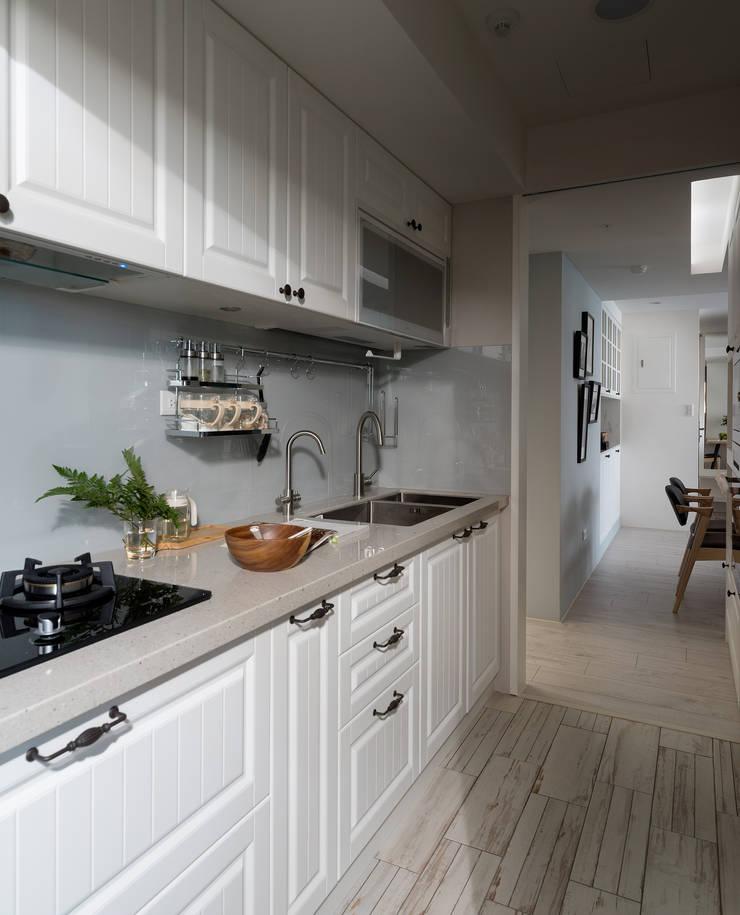 warm:  廚房 by 寓子設計