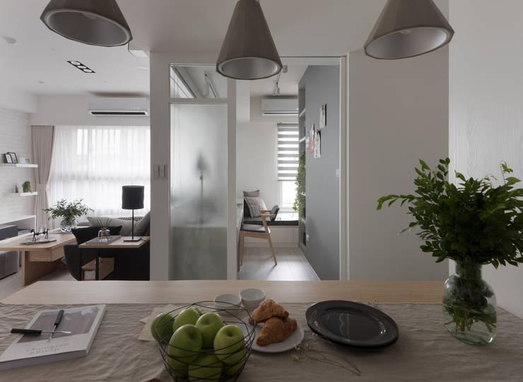 warm:  餐廳 by 寓子設計