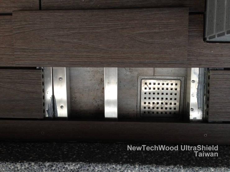 Minimalist balcony, veranda & terrace by 新綠境實業有限公司 Minimalist Wood-Plastic Composite