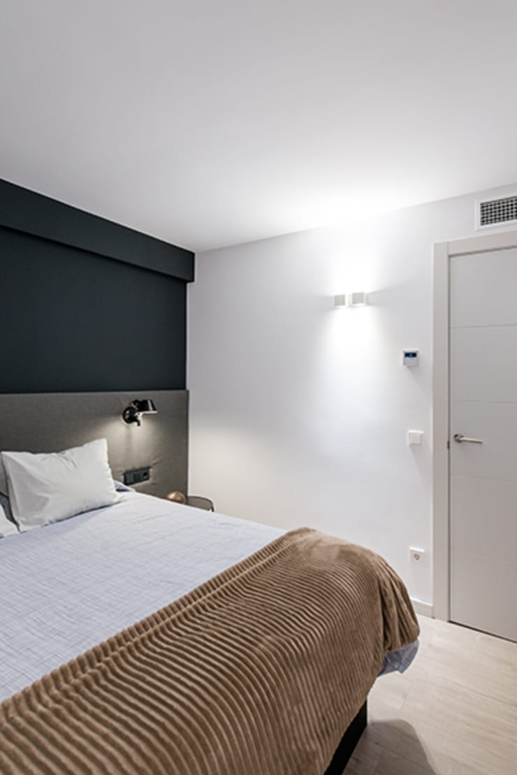Dormitorio moderno de ETNA STUDIO Moderno
