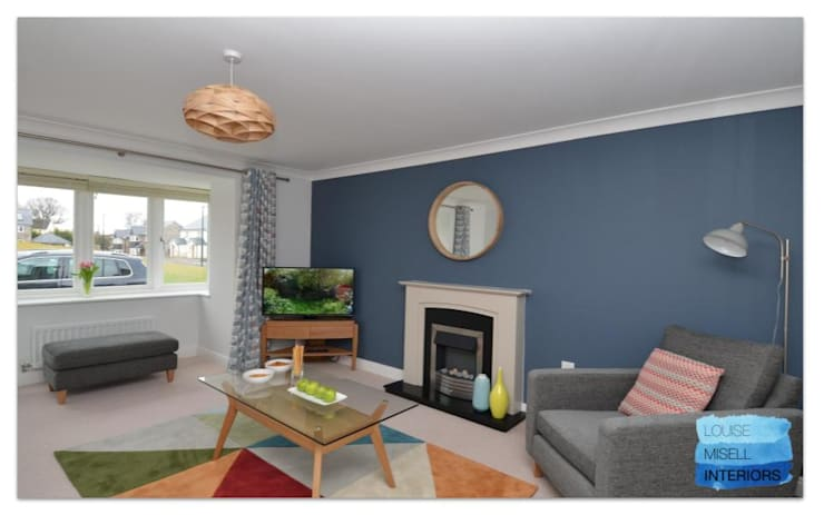 Holiday Rental:  Living room by Louise Misell Interiors,