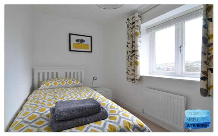Holiday Rental:  Bedroom by Louise Misell Interiors,