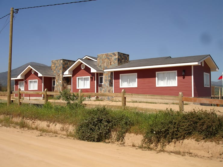 FACHADA NORTE: Casas de estilo  por ARKITEKTURA