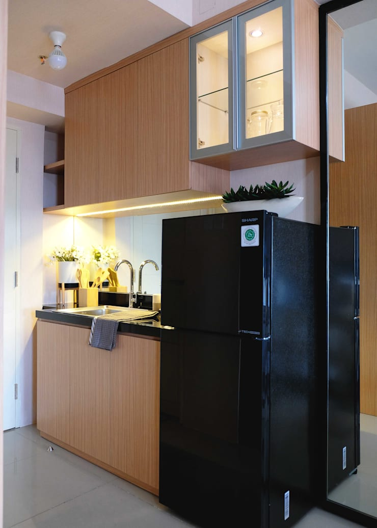 Tanglin Apartment:  Dapur built in by EquiL Interior