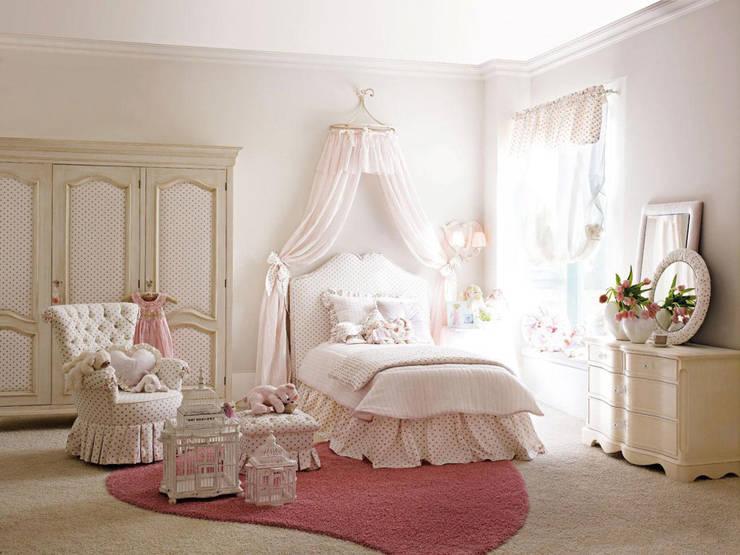 Collezione Elegance : Camera da letto in stile  di Ferrari Arredo & Design