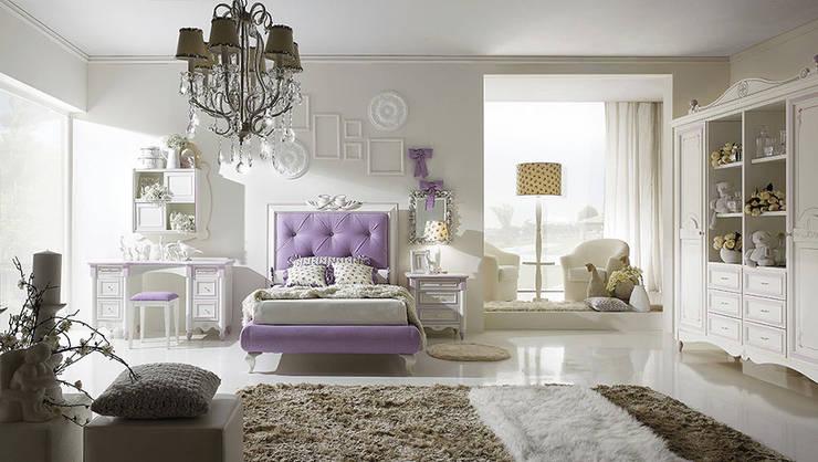 Collezione Ferretti: Camera da letto in stile in stile Classico di Ferrari Arredo & Design
