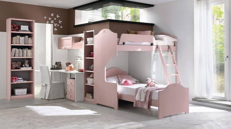 Collezione Every Day: Camera da letto in stile  di Ferrari Arredo & Design
