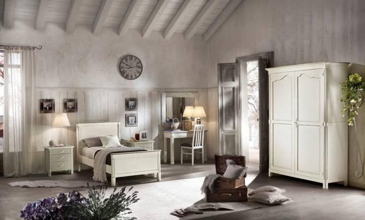 Collezione Shabby: Camera da letto in stile  di Ferrari Arredo & Design