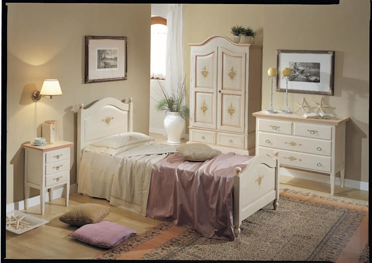 Collezione Classic: Camera da letto in stile  di Ferrari Arredo & Design