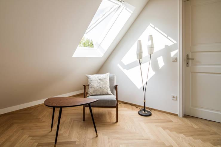 Oficinas de estilo  por Fiedler + Partner, Escandinavo