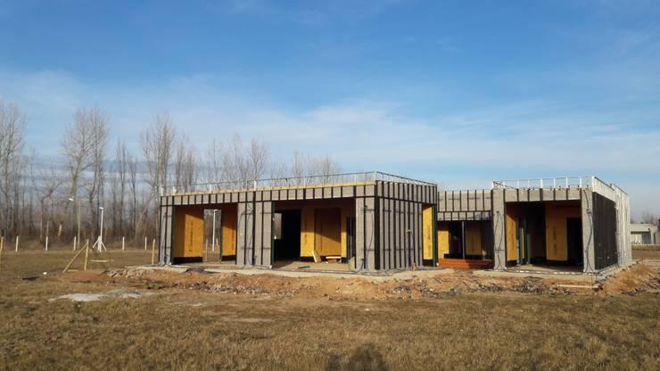 Lote 50 - Plaza Pueblo: Casas unifamiliares de estilo  por WGS SRL,
