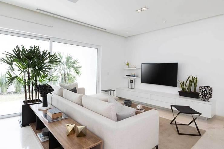 Decoraci n de salas peque as ideas y consejos for Decoracion de casas modernas y elegantes