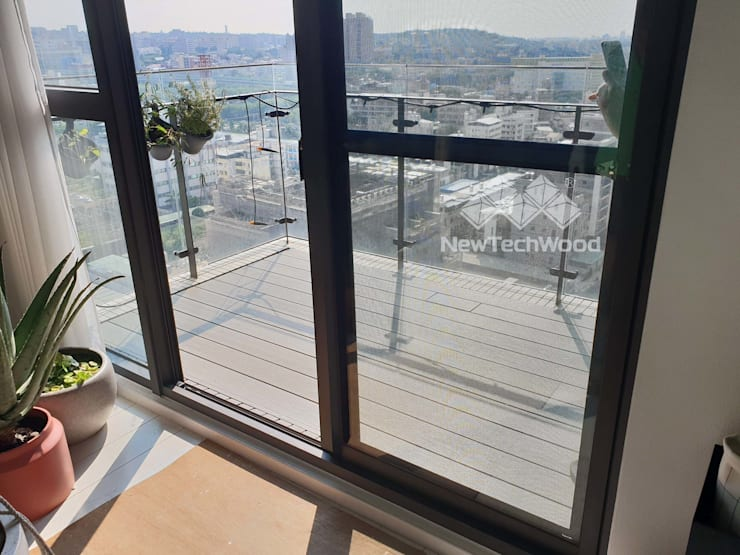Suelos de estilo  de 新綠境實業有限公司, Escandinavo Compuestos de madera y plástico