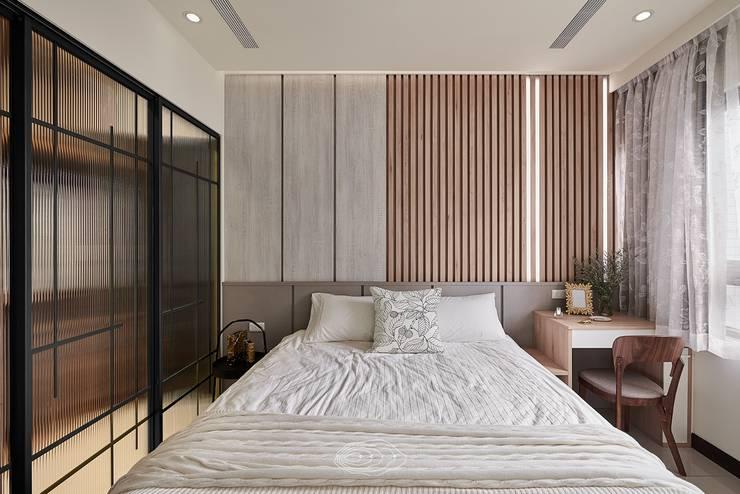 紋理.線條:  臥室 by 層層室內裝修設計有限公司