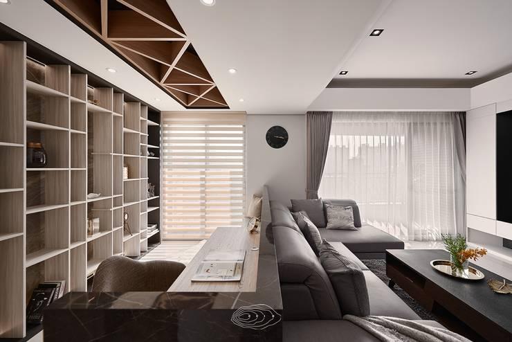 四象限:  書房/辦公室 by 層層室內裝修設計有限公司
