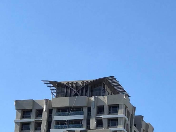 新北市新莊區案例 – 24層建築外觀設計&夜間4時段燈光計畫:   by 雲展建築設計 Winstarts Architectural Design Group