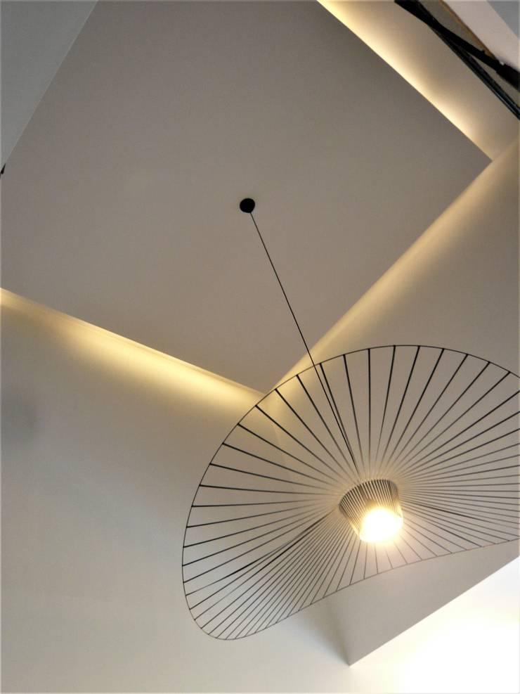 suspension vertigo#petitefriture#: Salon de style  par VALERIE BARTHE AiC