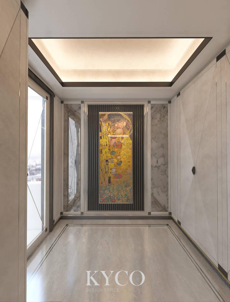 梯廳:  走廊 & 玄關 by 芮晟設計事務所