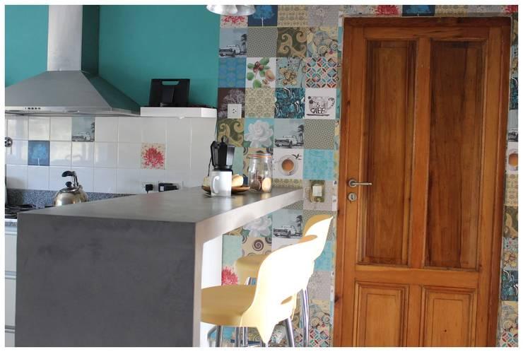 Casa LM: Cocinas de estilo  por Gomez Vidaguren Arquitectos,