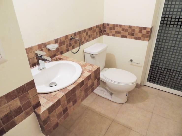 Casa Helena | DOOR arquitectos: Baños de estilo  por DOOR arquitectos