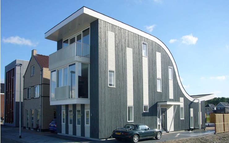 Villas de estilo  de Arc2 architecten, Moderno Derivados de madera Transparente