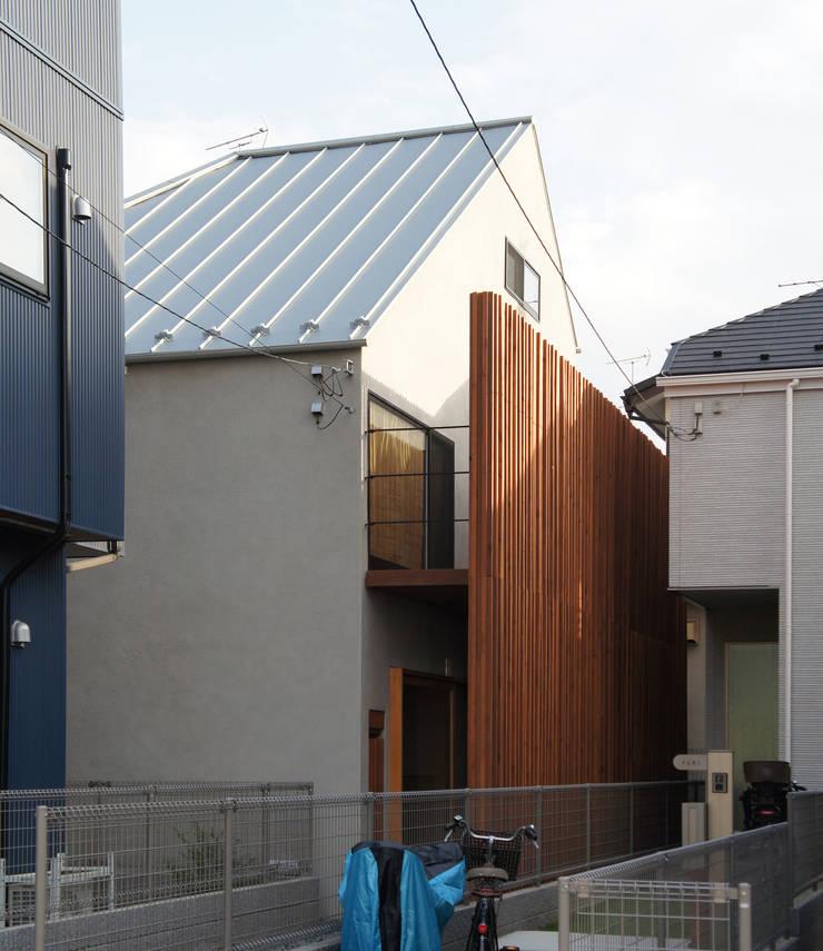 一級建築士事務所A-SA工房의  목조 주택, 모던 우드 우드 그레인