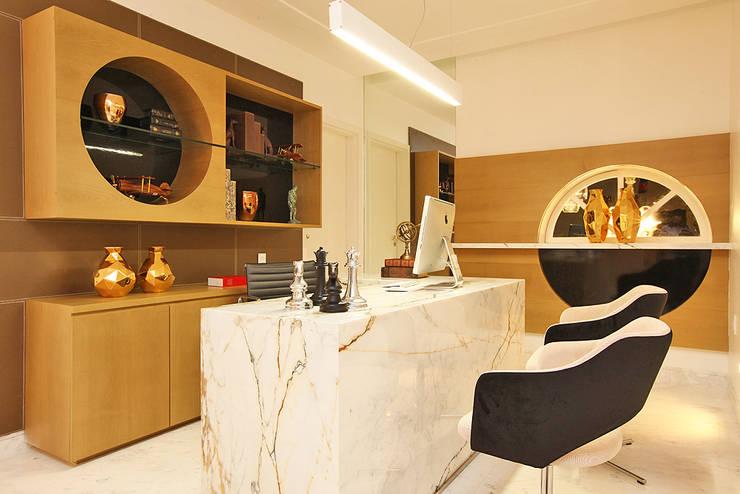 Residência Alphaville Fortaleza: Escritórios  por RI Arquitetura