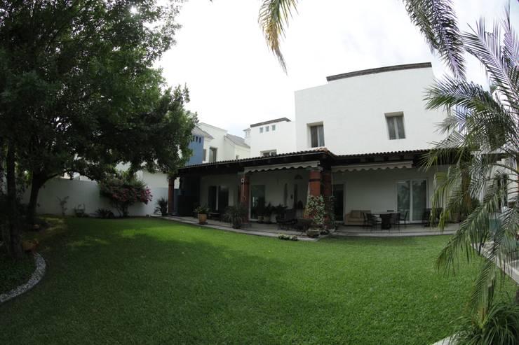 03: Casas de estilo  por Tierra Fría