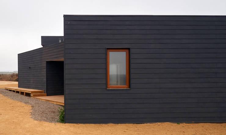 Casa RM: Casas de estilo  por Moreno Wellmann Arquitectos