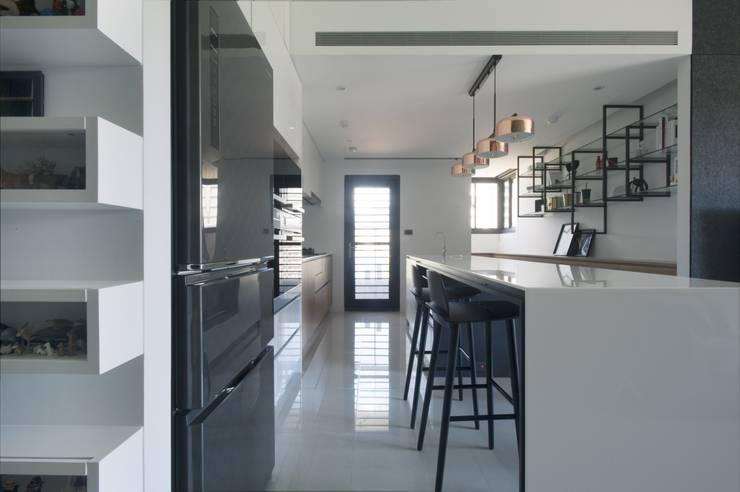 夢想與生活的後盾:  廚房 by 昕益有限公司