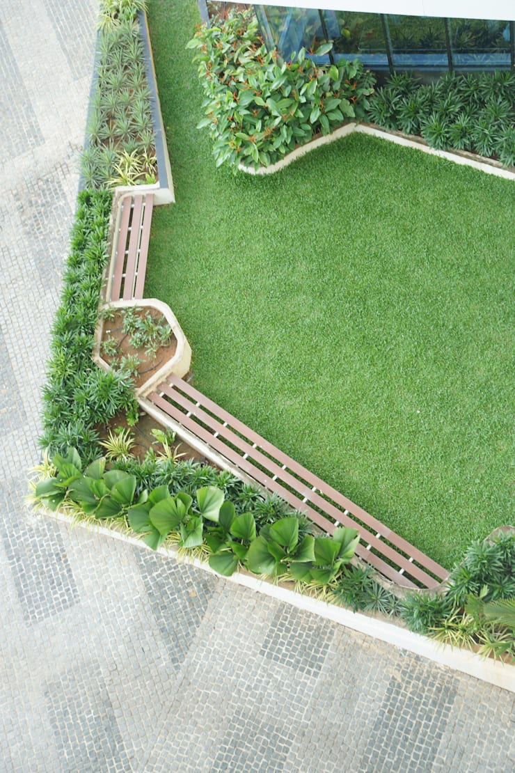 SVC VENTURES—TREE WALK:  Commercial Spaces by iammies Landscapes,Mediterranean