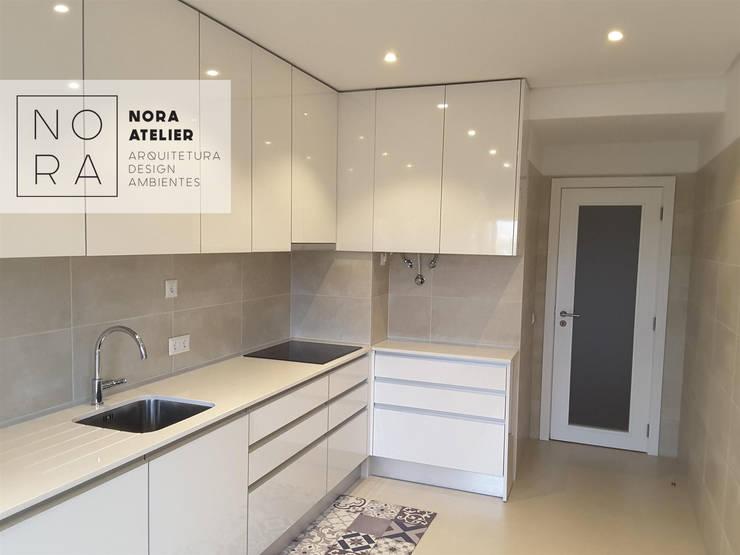 COZINHA: Cozinhas minimalistas por Nora Atelier