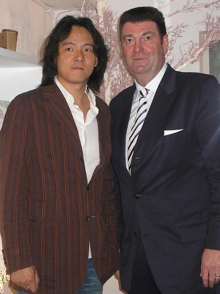 (Right )Red Dot founder Peter Zec (Left)Chou Timmy :  飯店 by 亞卡默設計有限公司